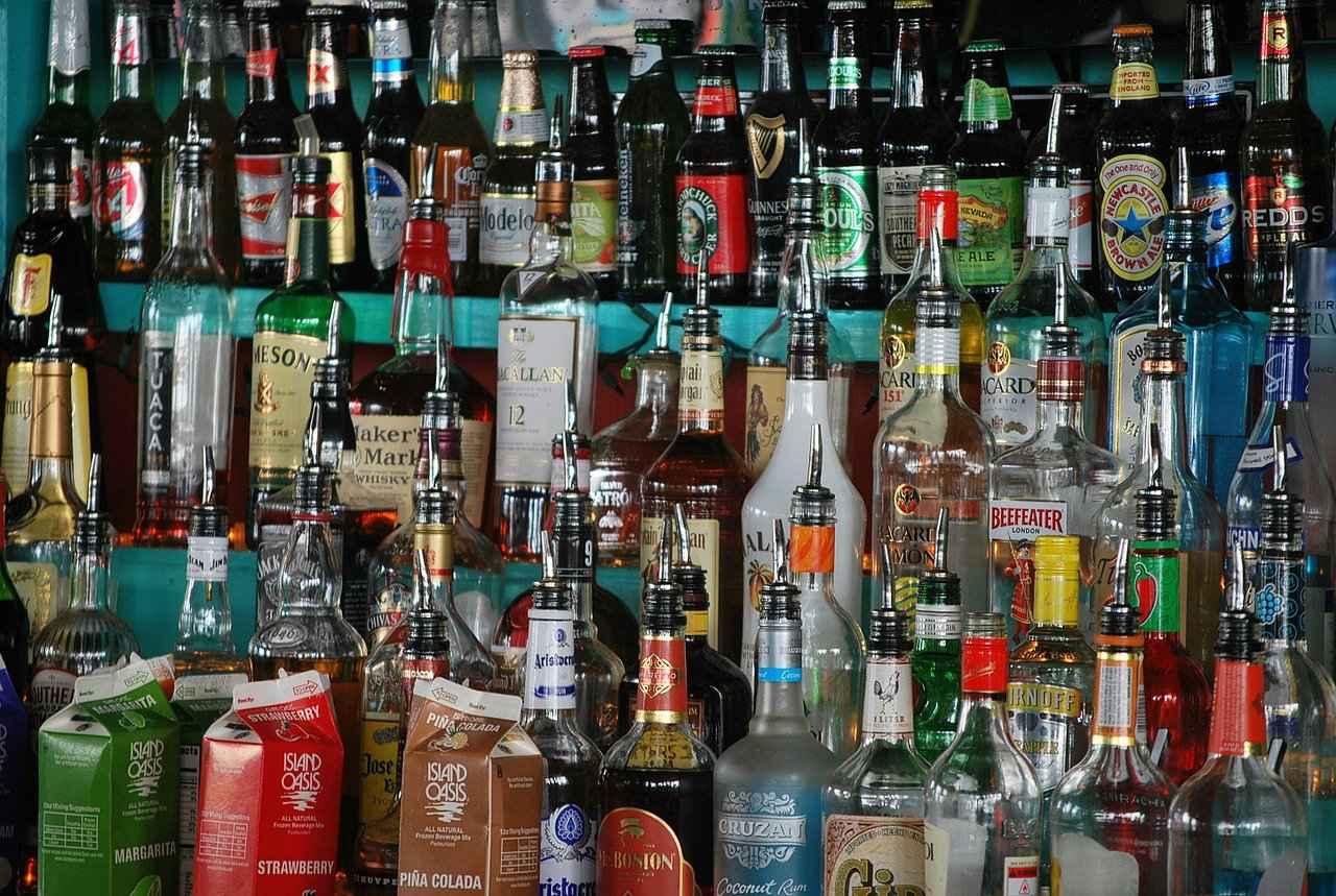 Zakaz sprzedaży alkoholu nieletnim